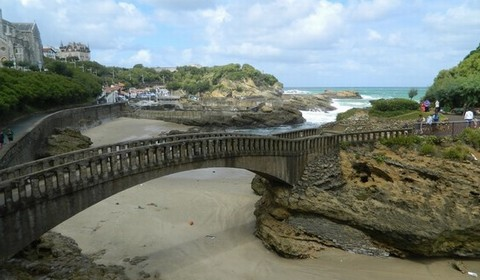 biarritz singles Love travel plan and book your perfect trip with expert advice, travel tips, destination information and inspiration from lonely planet.