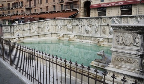 480x280 photos 54440 siena fonte gaia in piazza del campo GAIA FOUNTAIN – SIENA