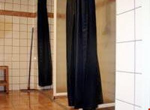 Camera doppia con bagno in comune