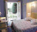 Camera doppia con vista giardino