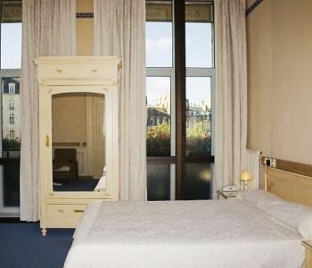 hotel des quatre soeurs a bordeaux. Black Bedroom Furniture Sets. Home Design Ideas