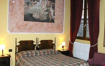Soggiorno Alessandra B&b Firenze – Idea d\'immagine di decorazione