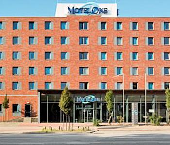 motel one hamburg airport in hamburg compare prices. Black Bedroom Furniture Sets. Home Design Ideas