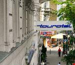 La via dell'hotel