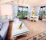 Camera doppia con salotto