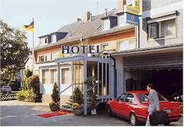 hotel schuemann garni am airport a amburgo confronta i prezzi. Black Bedroom Furniture Sets. Home Design Ideas