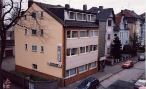 hotel am sportpark in duisburg compare prices. Black Bedroom Furniture Sets. Home Design Ideas