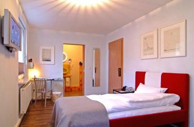 hotel palmenbad kassel kassel preise vergleichen. Black Bedroom Furniture Sets. Home Design Ideas
