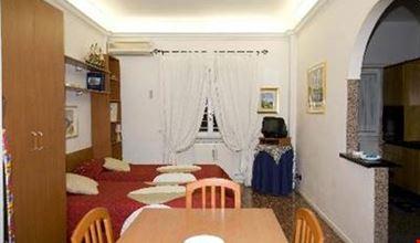 Appartamento domus gordiani in rome for Domus arredamenti olevano romano