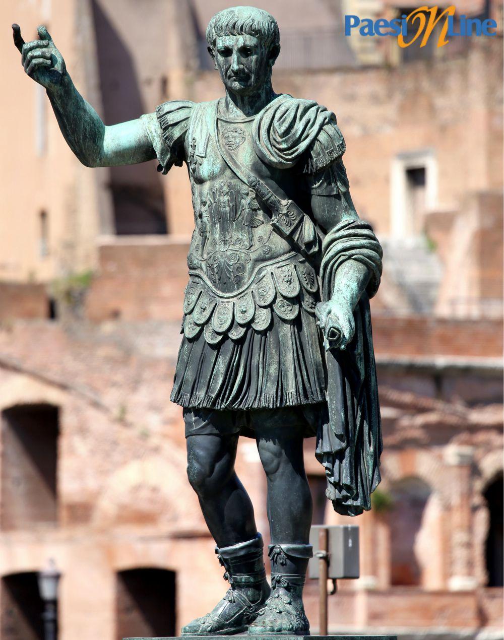 Statua di Traiano ai Fori Imperiali di Roma