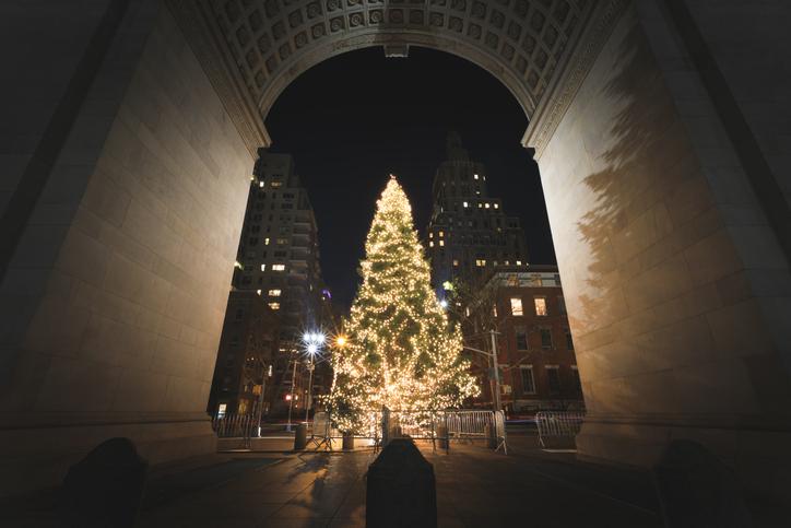washington square park christmas tree