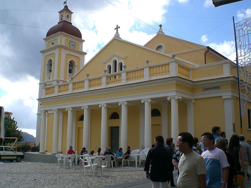 1024px-Chiesa_di_Conflenti