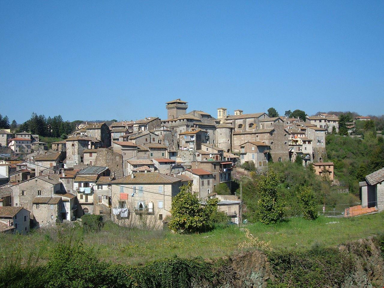 1280px-Carbognano_-_Panorama_7
