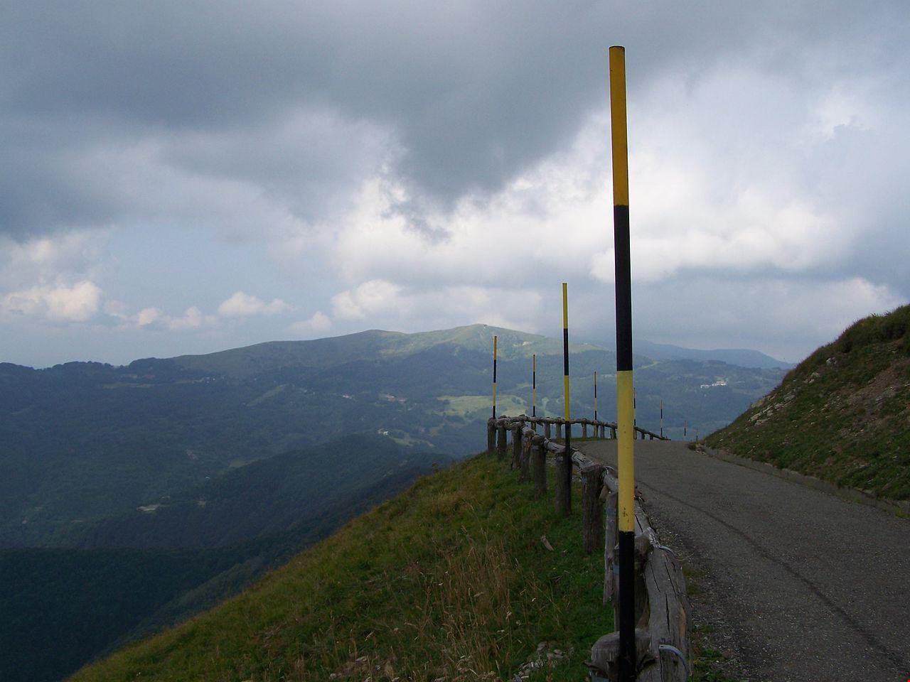 1280px-Il_monte_chiappo