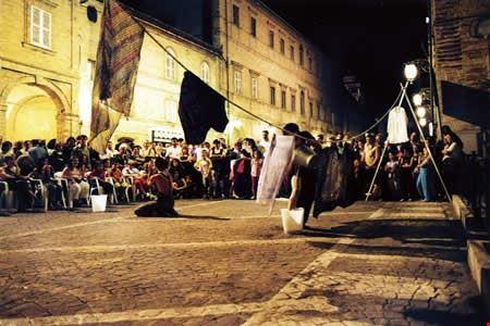 un_esibizione_durante_il_veregra_street