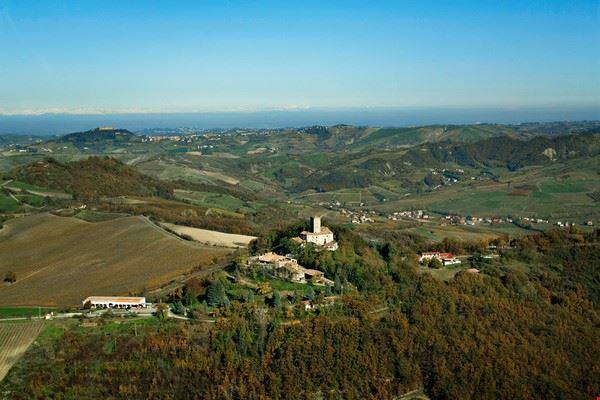 veduta_aerea_del_castello_di_stefanago