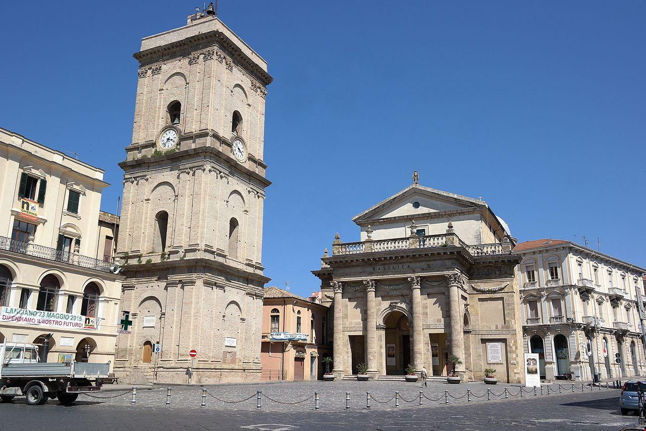 Lanciano_-_Cattedrale_della_Madonna_del_Ponte.jpg
