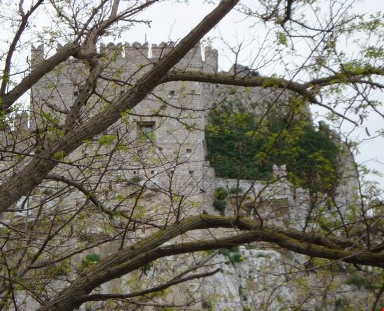 caccamo_castello