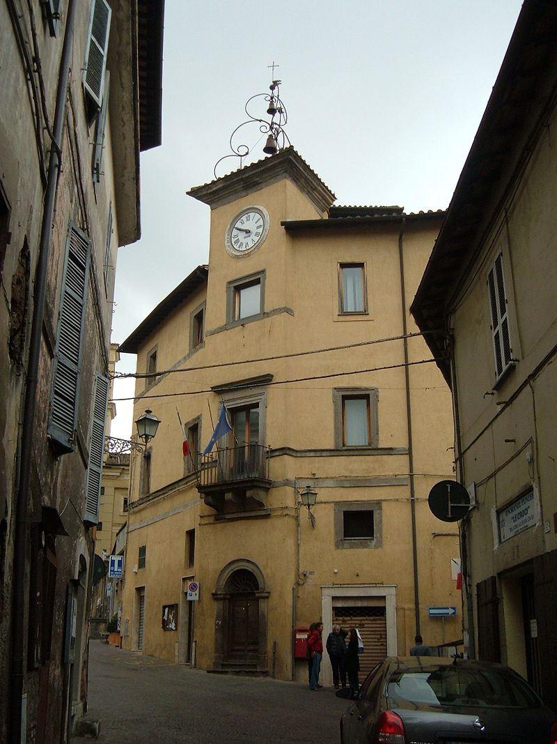 800px-Carbognano_-_Palazzo_comunale_3