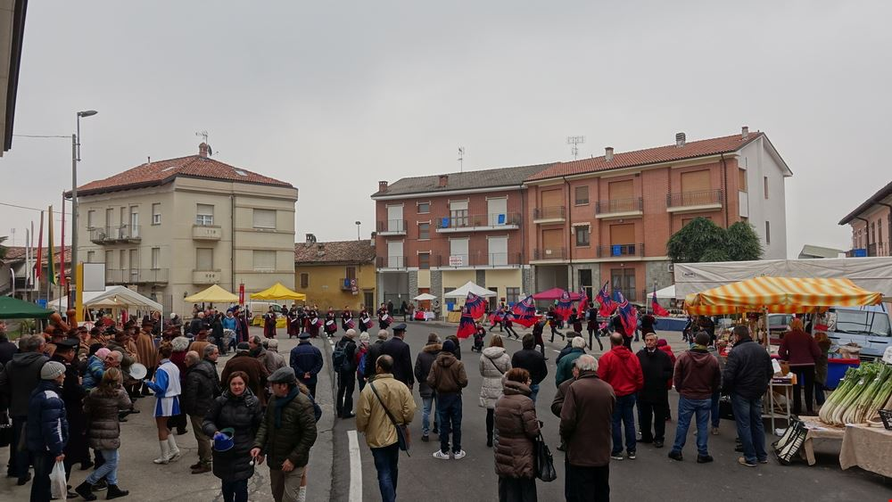 vezza_fiera_piazza.jpg