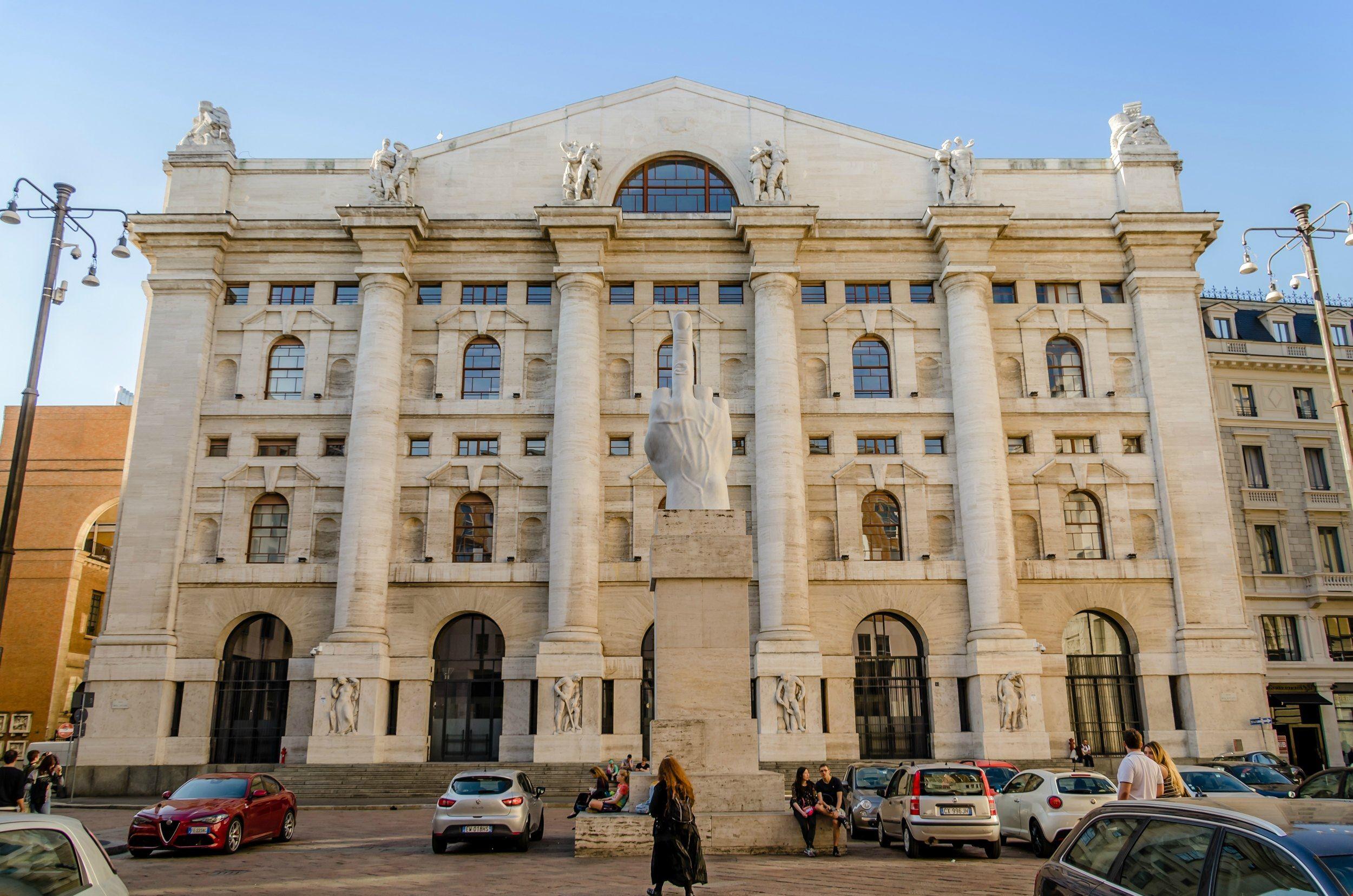 Corso_Magenta_Palazzo_Mezzanotte_Milano_web.jpg