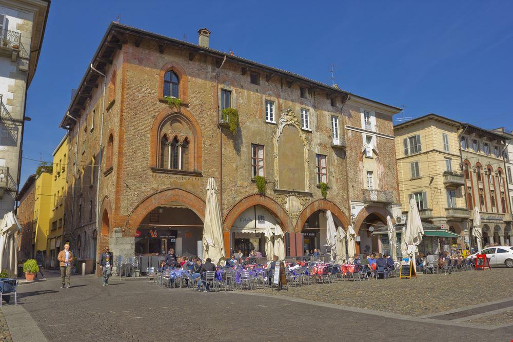 Pavia_364653662