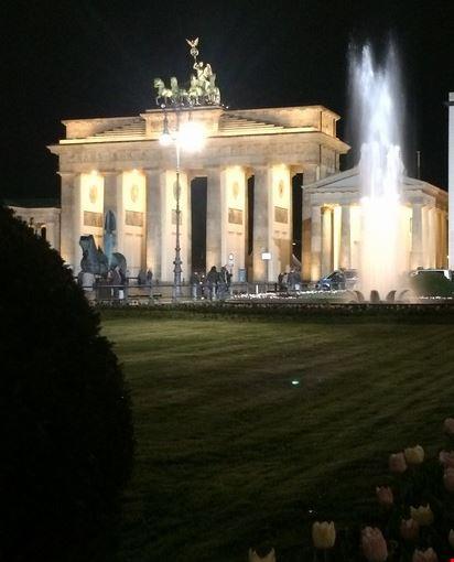 Foto porta di brandeburgo a berlino 412x550 autore - Berlino porta di brandeburgo ...