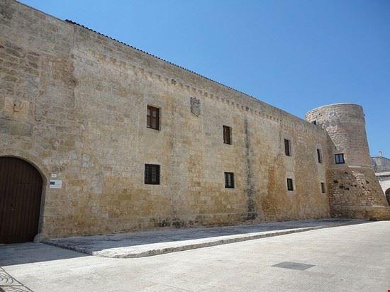 101070 acquarica del capo castello medievale