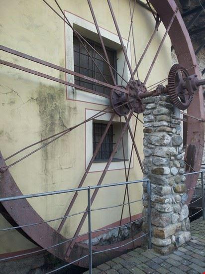 Ruota dell'antico mulino ( paese vecchio)