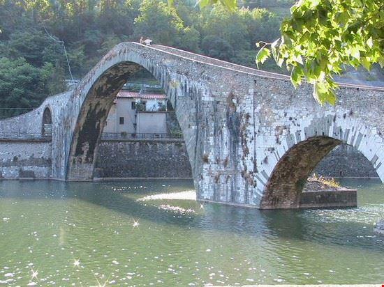 ponte del diavolo - borgo a mozzano