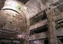 roma la cripta dei papi nelle catacombe di san callisto