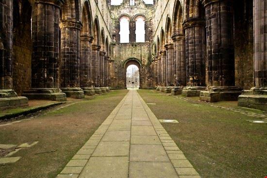 leeds kirkstall abbey