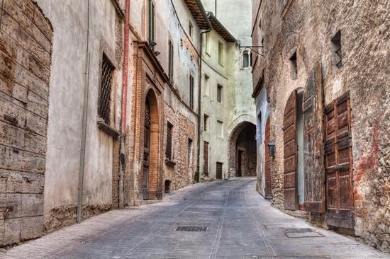 Foto centro storico a trevi 550x366 autore redazione for Redazione italia