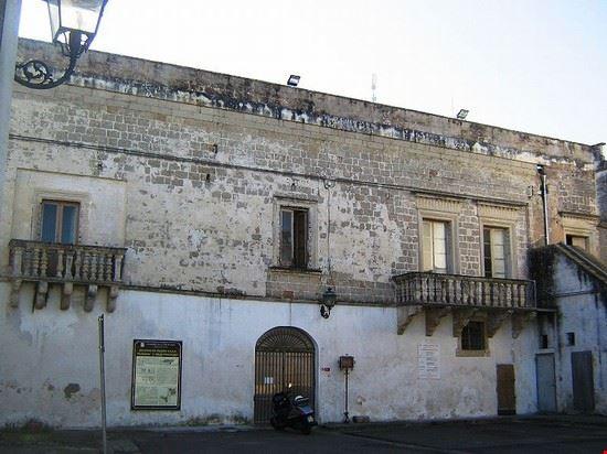 102594 cutrofiano castello filomarini
