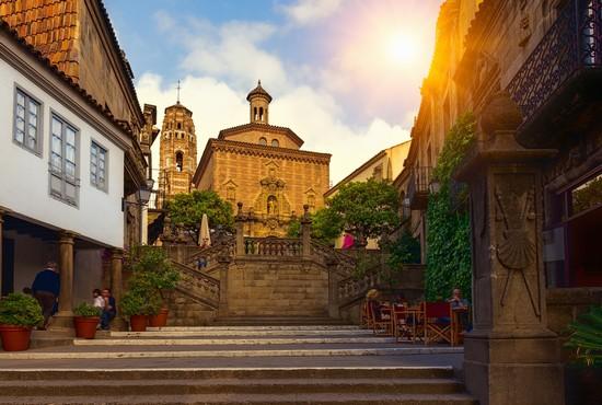 Foto poble espanyol a barcellona 550x370 autore for Villaggi vacanze barcellona