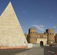 103047 roma piramide cestia