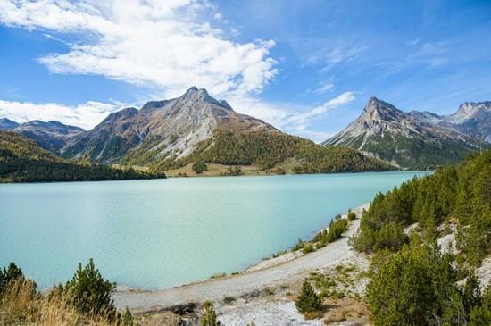 Foto laghi di cancano a livigno 550x365 autore for Disegni di laghi