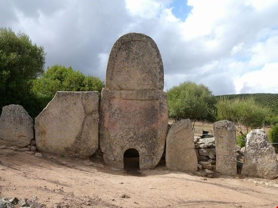 103201 arzachena tomba dei giganti arzachena