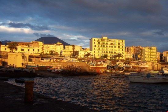 torre del greco porto