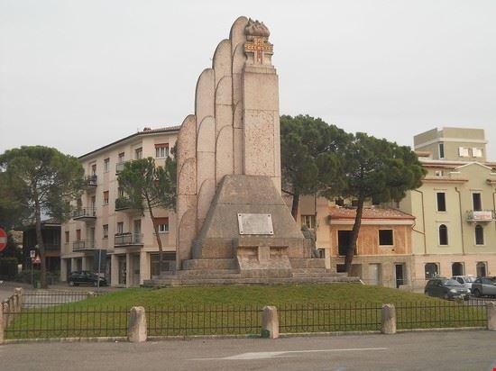 Monumento ai caduti - caprino veronese