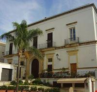 palazzo castriota a parabita