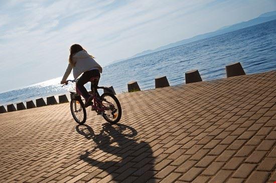 In bici sul lungomare