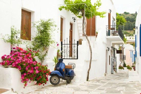 Scooter a Paros