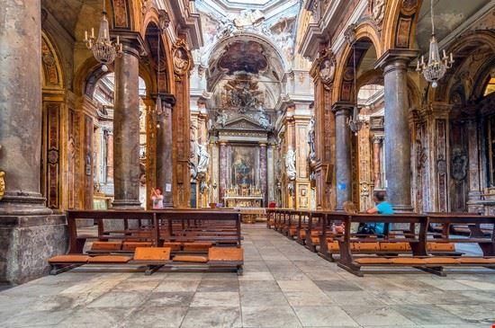 Chiesa del Santissimo Salvatore, interno