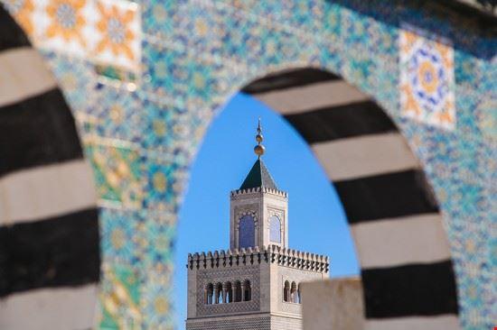 104718 tunisi moschea zitouna