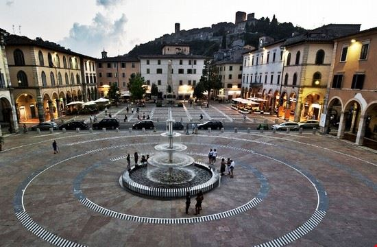 Piazza Arnolfo