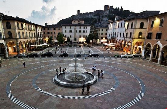 104745 colle di val d  elsa piazza arnolfo