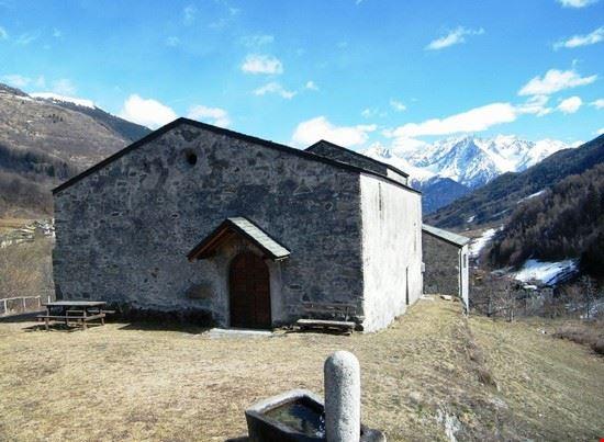 chiesa di san martino a corteno golgi