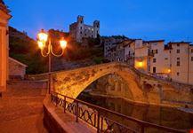 Ponte Vecchio di Dolceacqua di notte