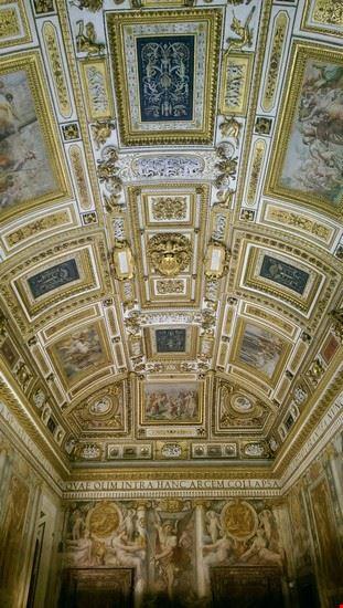 dentro le mura di castel sant angelo roma